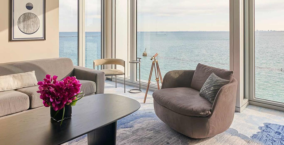 sable-hotel-navy-pier-chicago-corner-suite